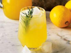 Ev yapımı konsantre limonata