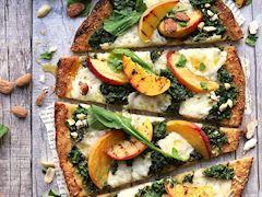 Pesto & şeftalili kıtır pizza