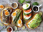 Ekmek Üstü Lezzetler: 9 Farklı ve Kolay Ekmek Üstü Tarif