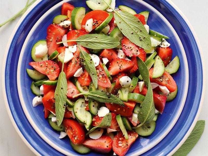 Adaçayı salatası