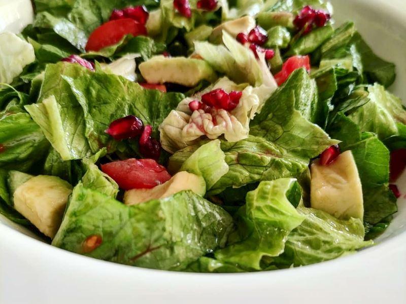 Avokadolu Marul Salatası 🥬🥑