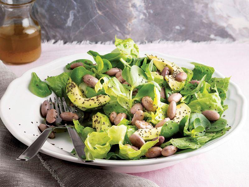 Barbunyalı marul ve avokado salatası