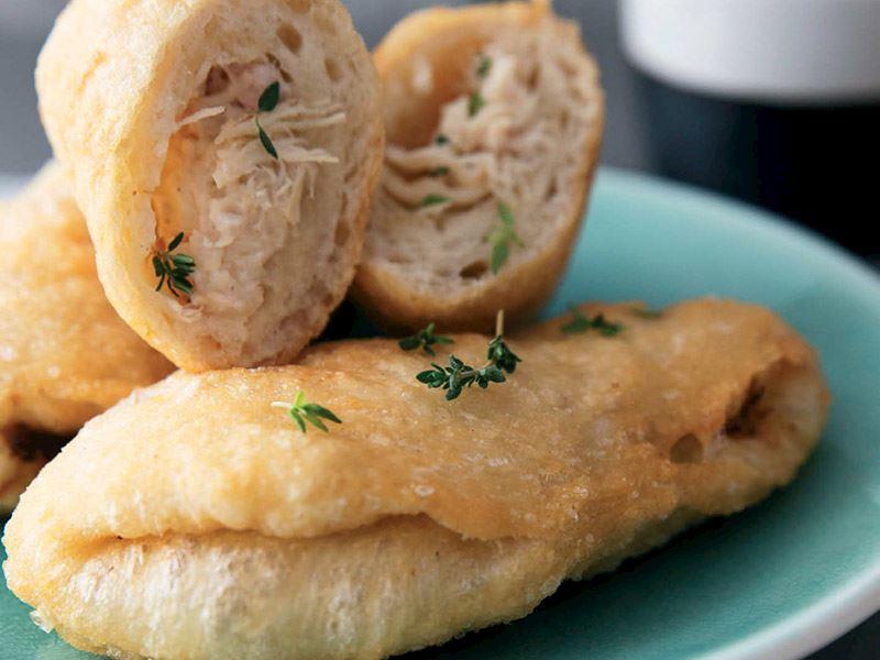 Beşamel soslu tavuk etli pratik börek