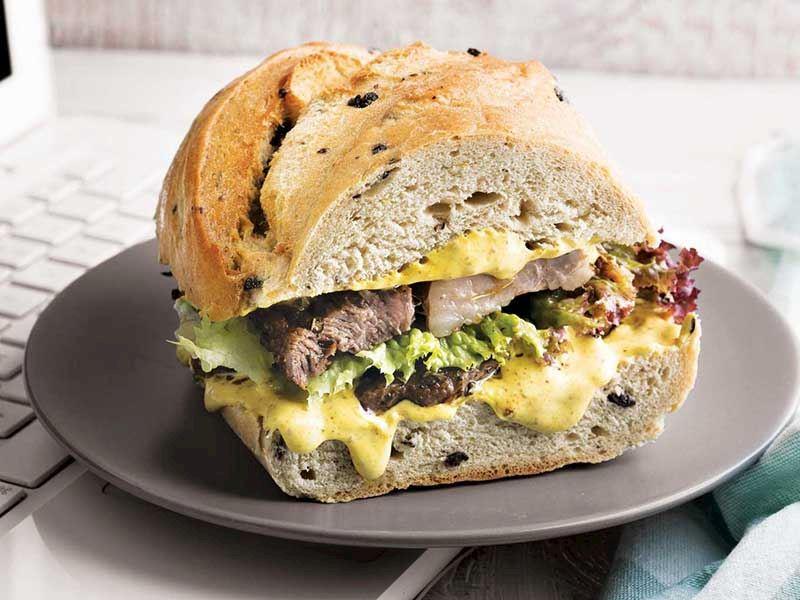 Biftekli sandviç