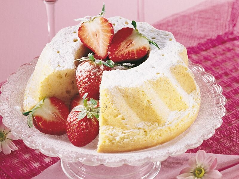 Çilekli melek kek