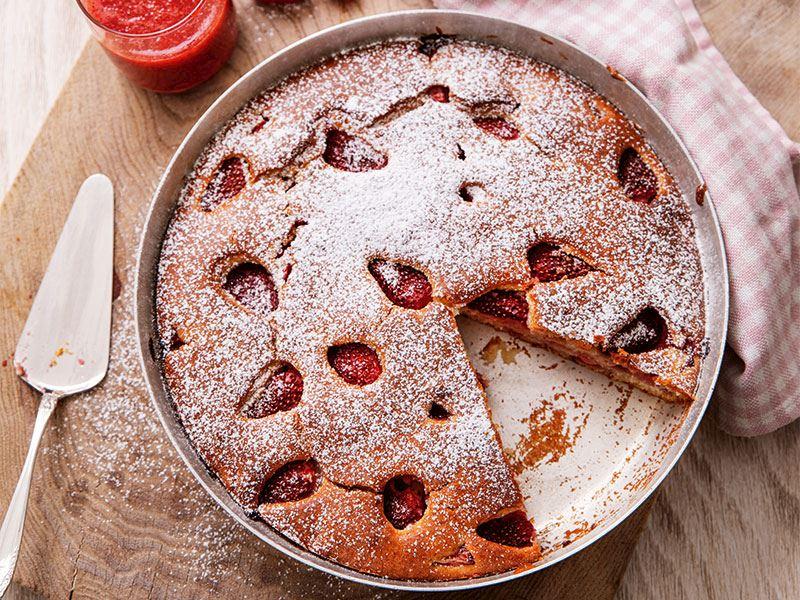 Çilekli tarçınlı kek