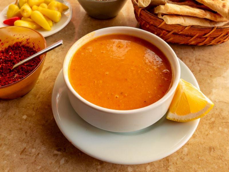 Domatesli mercimek çorbası