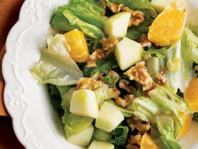 Elmalı marul salatası