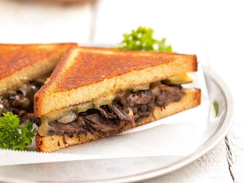 Etli brioche sandviç