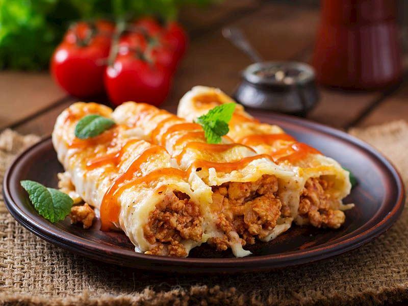 Etli Fasulyeli Enchilada