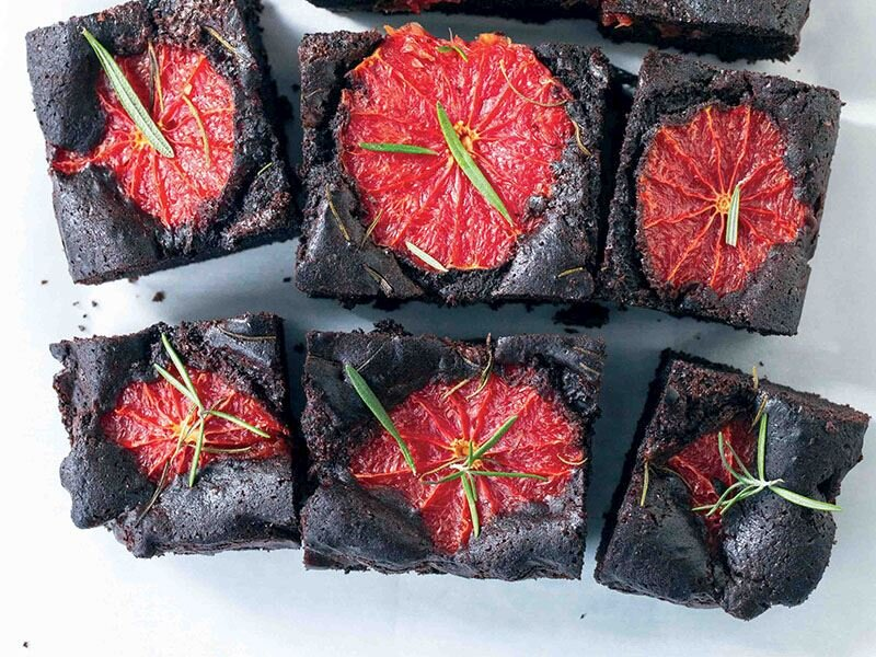 Greyfurtlu biberiyeli brownie