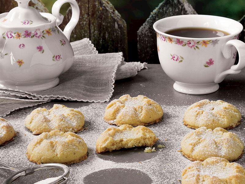 Hindistan cevizli ve fındıklı un kurabiyesi