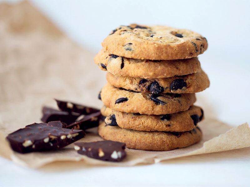 İçi dolgulu çikolatalı fit kurabiye