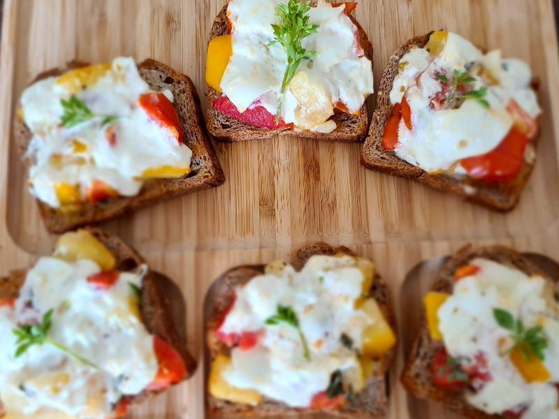 İtalyan meşhur kızarmış ekmek* Brushetta