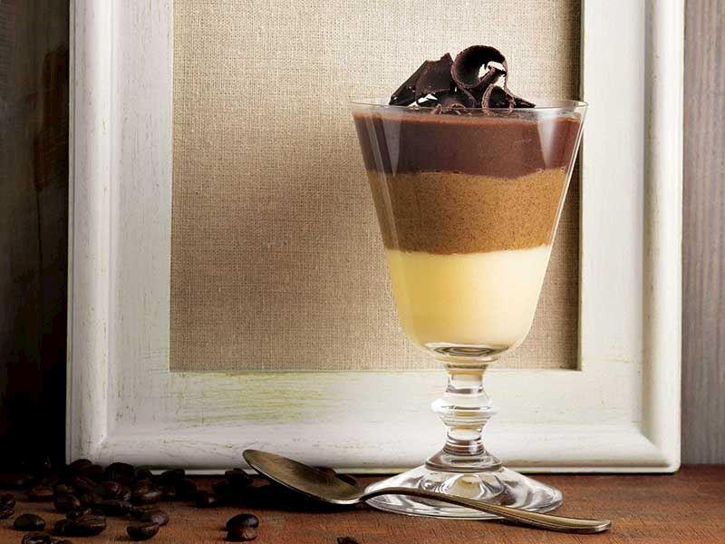 Kahveli bardak tatlısı