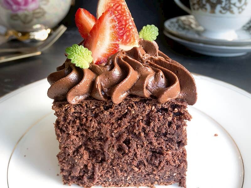 Kakaolu muzlu yulaflı kek