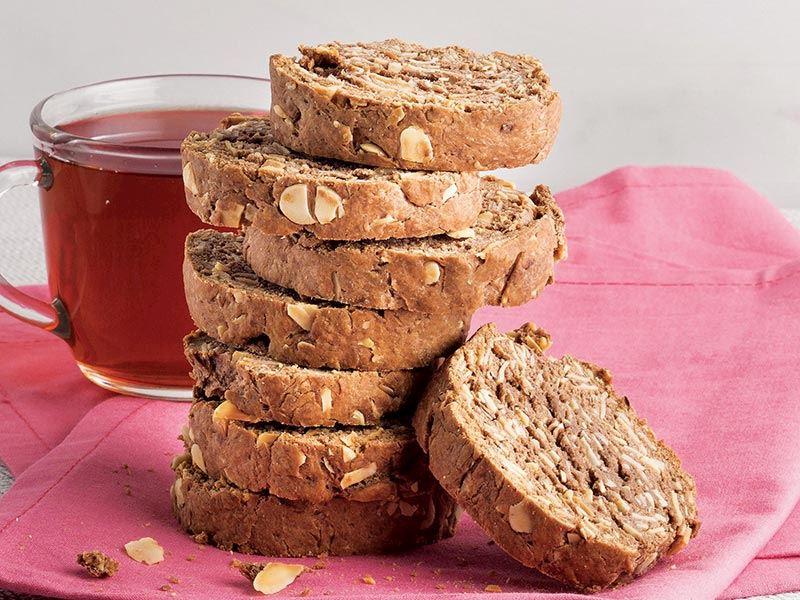 Kakaolu ve bademli biscotti