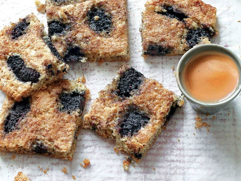 Karadutlu kurabiye kek