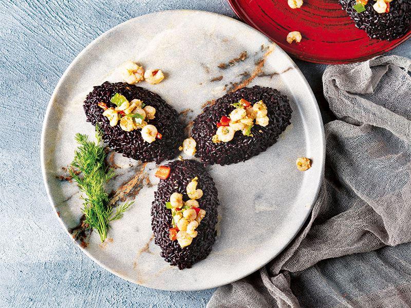 Karidesli siyah pirinç pilavı
