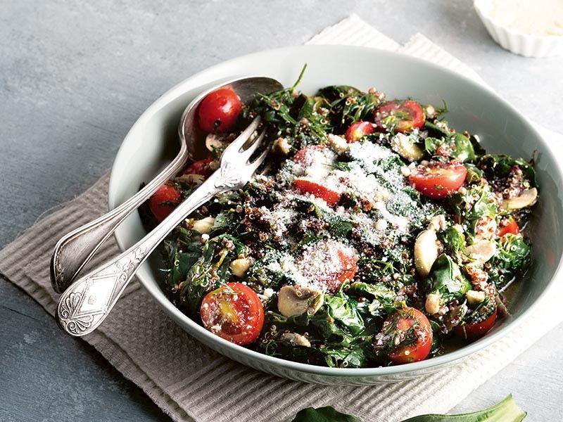Kinoalı ılık ıspanak salatası
