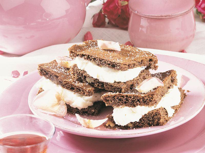 Kremalı kat kat brownie