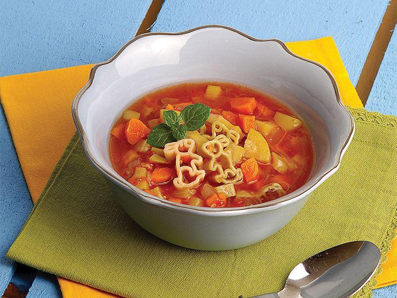 Makarnalı sebze çorbası