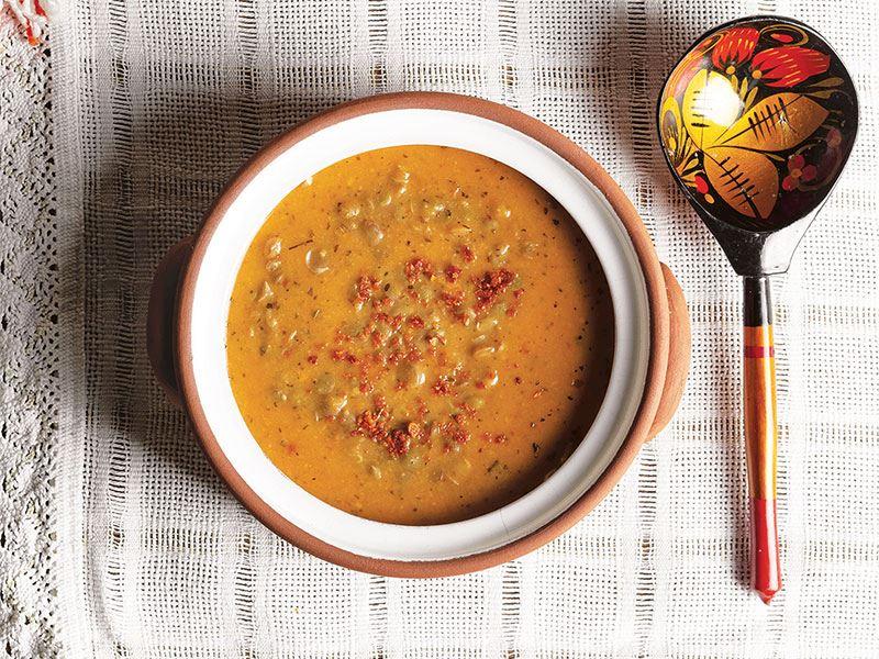 Mercimekli tarhana çorbası (Antalya)