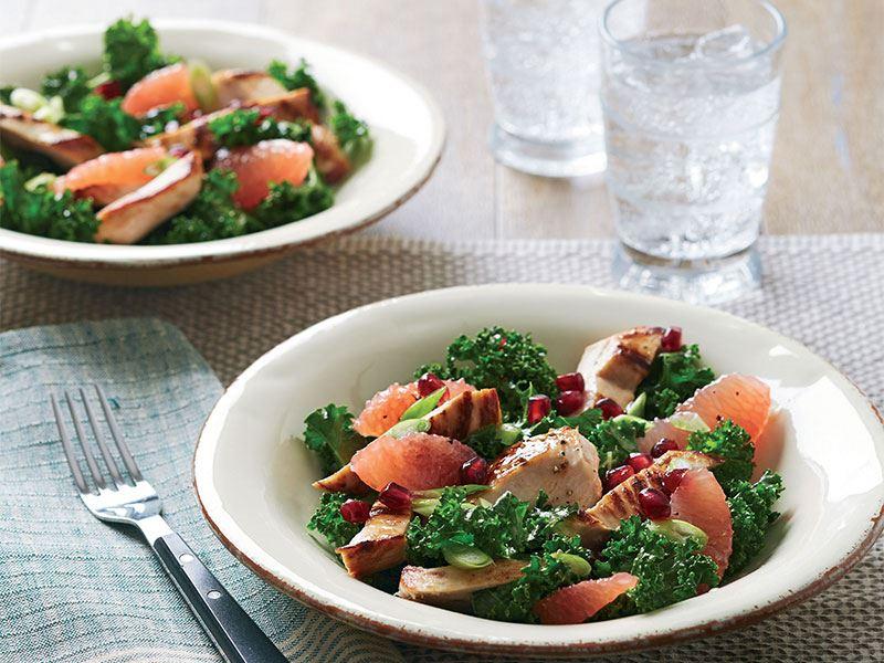 Narlı ve greyfurtlu karalahana salatası