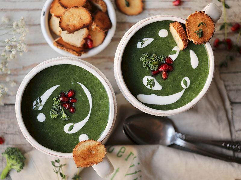 Patatesli yeşil çorba