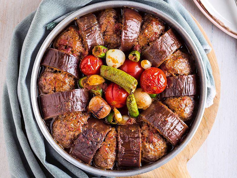 Pesto soslu fırında patlıcan kebap