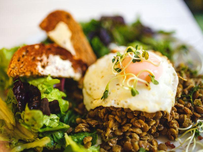 Poşe Yumurtalı Mercimek Salatası
