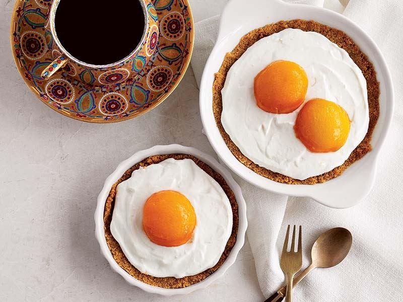 Sahanda yumurta (Kayısılı günlük cheese cake)