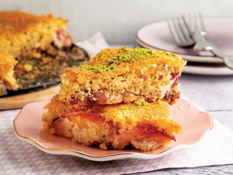 Şeftalili cevizli kek
