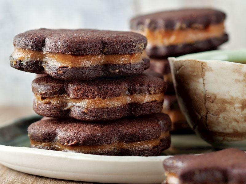Süt reçelli ve çikolatalı kurabiye