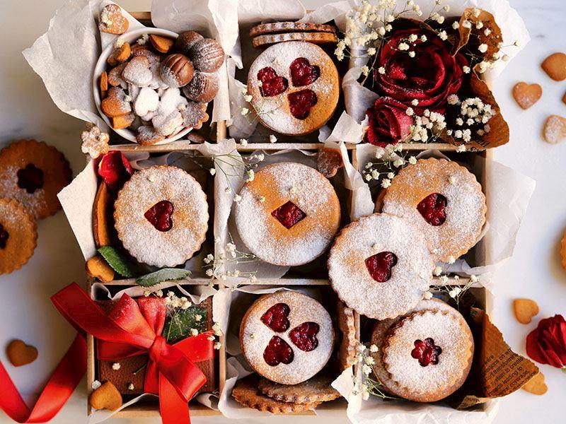 Tarçın kokulu ve marmelatlı kurabiyeler