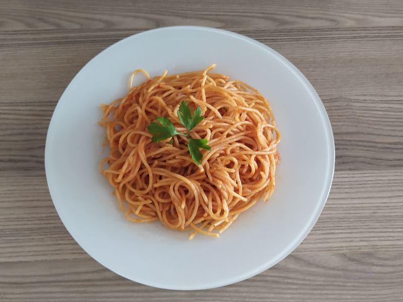Tarçınlı Spagetti