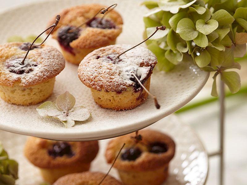 Vişneli fındıklı muffin