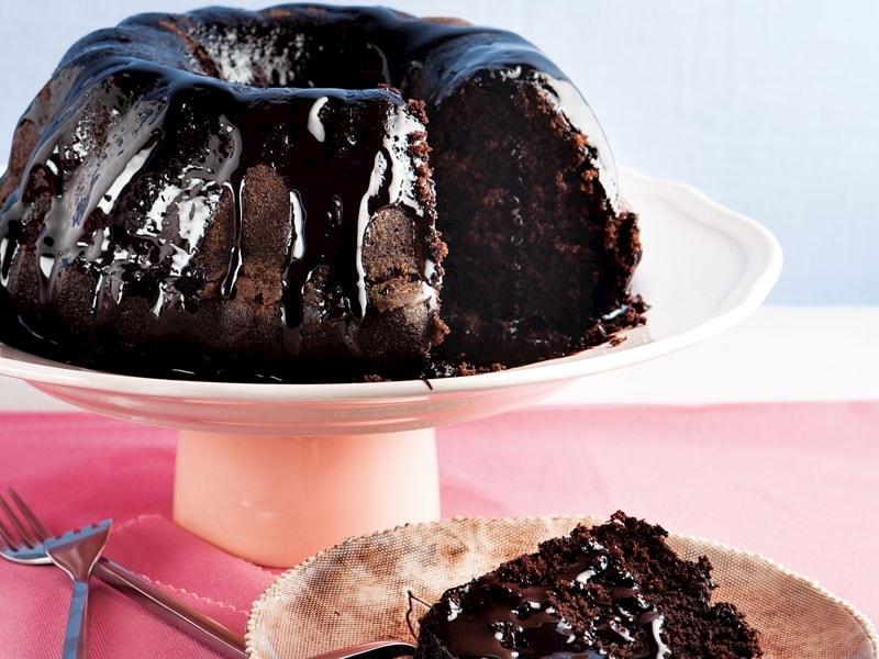 Yoğurtlu çikolatalı kek