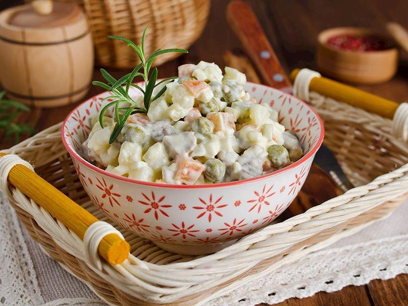 Ana Yemeklerin Yanında Sunabileceğiniz Bayramlık 8 Pratik Atıştırmalık Tarifi