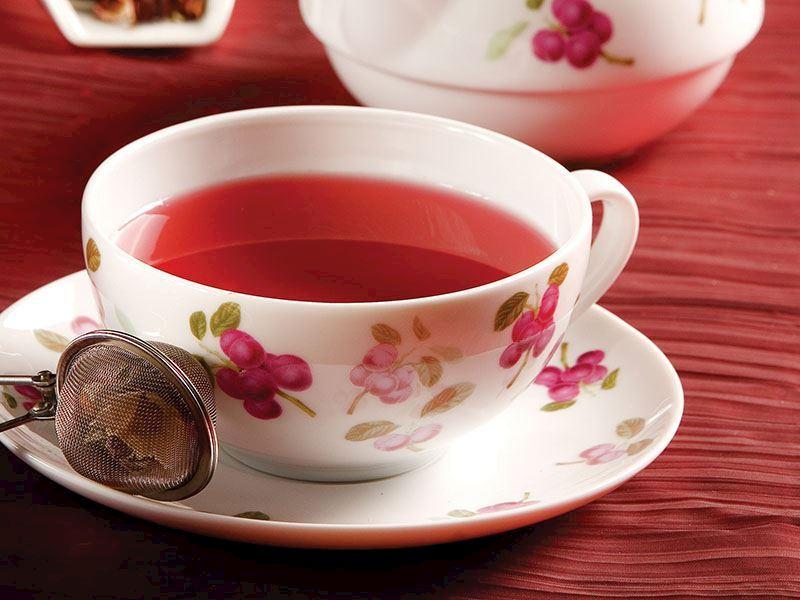 Bitki Çaylarındaki Gizli Tehlike ve 8 Önemli Uyarı