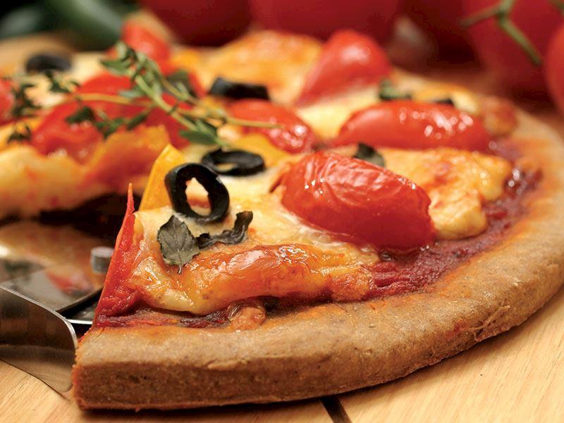Evde Pizza Yapımı: 8 Farklı Ev Yapımı Pizza Tarifi