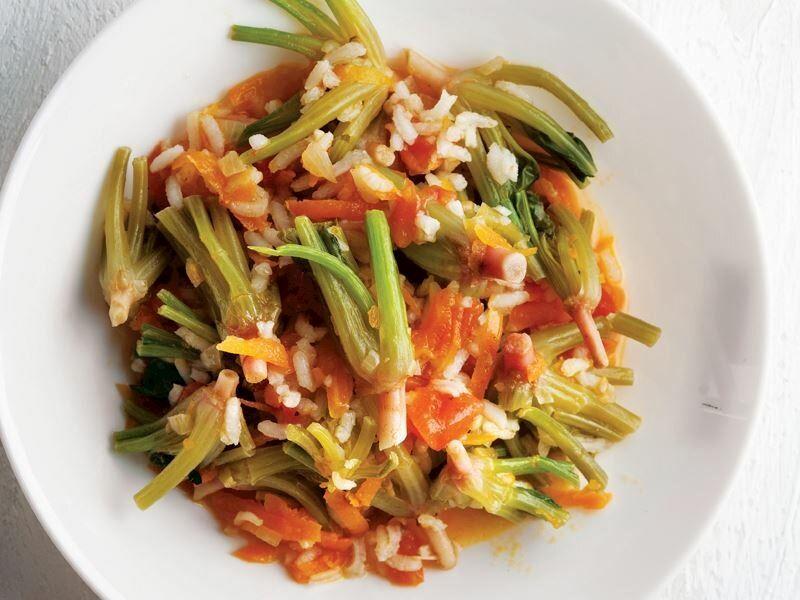 Ispanağın Yanına Ne Gider: Ispanak Yemeğini Tamamlayan 11 Nefis Tarif