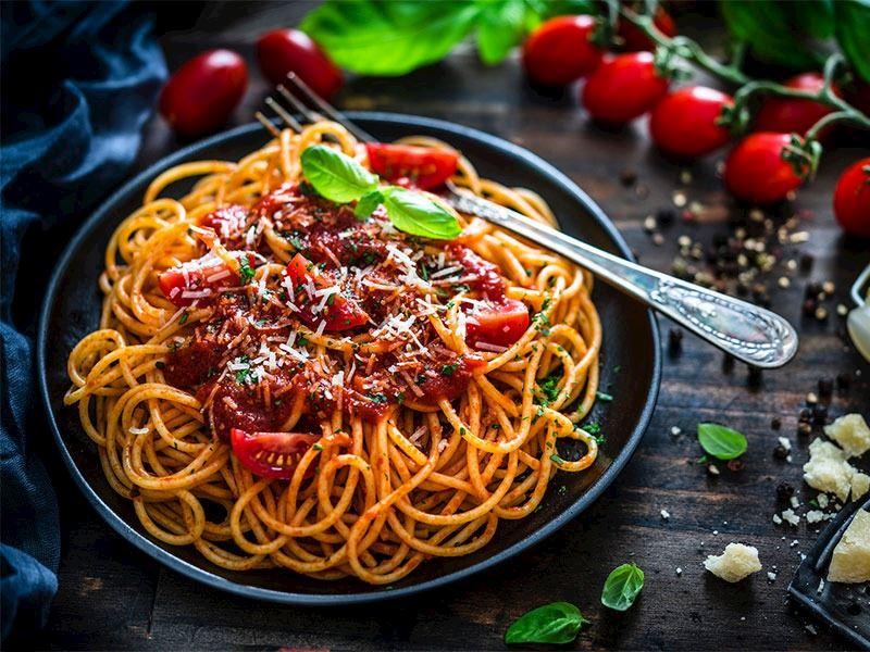 Makarna Sosları: Yemeklerinize Çok Yakışacak Lezzetli ve Kolay 15 Makarna Sosu