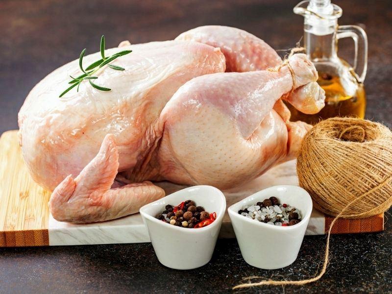 Resimli Anlatımıyla Bütün Tavuk Nasıl Parçalanır?