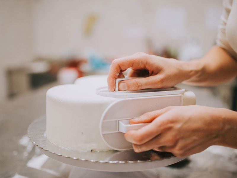 Şeker Hamuru İle Pasta Nasıl Kaplanır?
