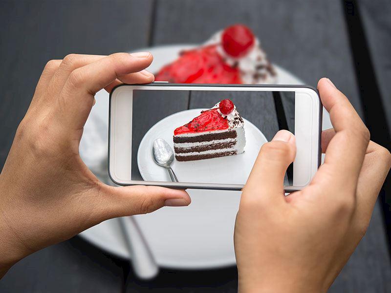 Sosyal medya için yemek fotoğrafı çekme tüyoları