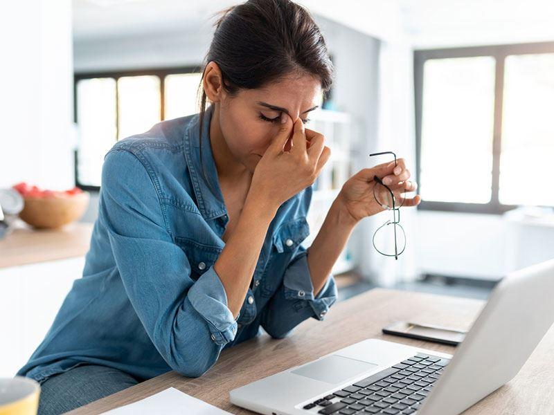 Sürekli Yorgunum Neden? Yorgunluğun 17 Olası Sebebi