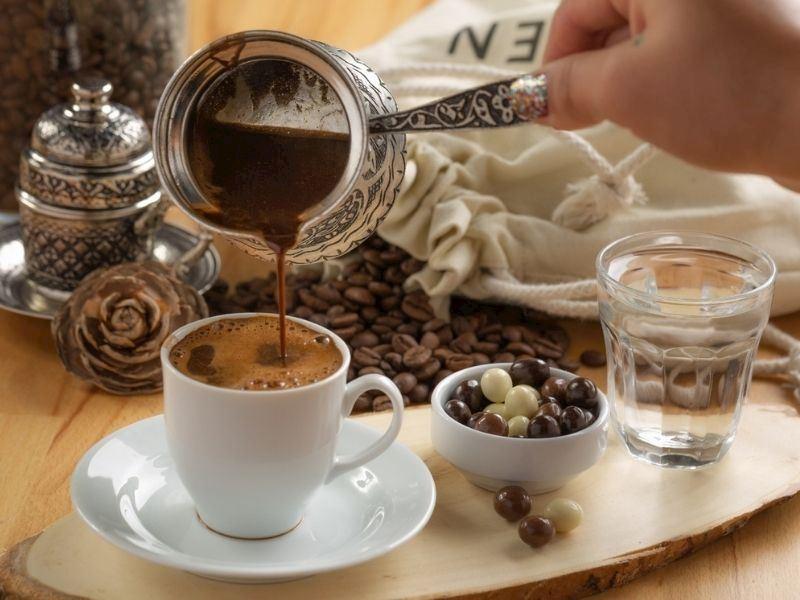 Türk Kahvesinin Faydaları Nelerdir? Günde Kaç Fincan Tüketilmeli?