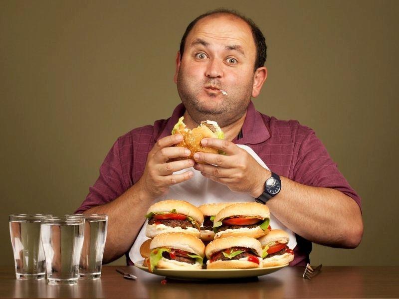 Yeme Bağımlılığı Belirtileri Nelerdir? Yeme Bağımlılığını Anlamak İçin 8 İpucu!
