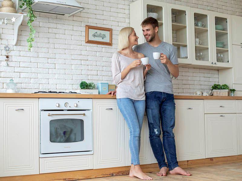 Yeni evli çiftler için mutluluk ve mutfak sırları